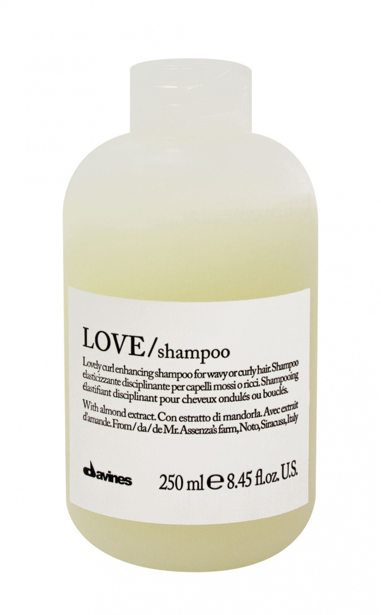 Davines Essential Haircare New Love Lovely Curl Enhancing Shampoo - Шампунь для усиления завитка 250 мл Davines (Италия) купить по цене 1 960 руб.